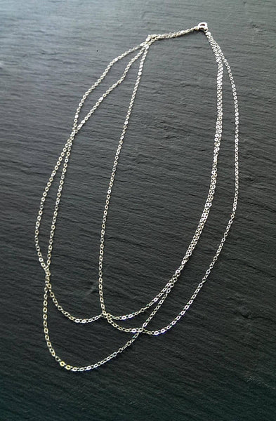 Sterling silver dainty and simple 3-layered necklace for a discreet and chic look