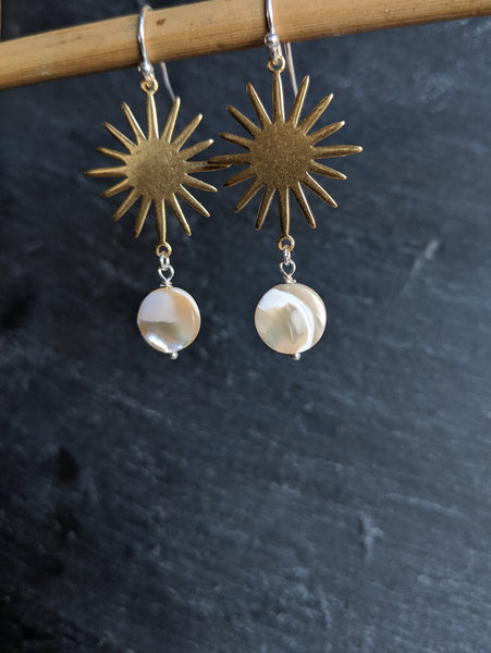 Star raw brass shell earrings