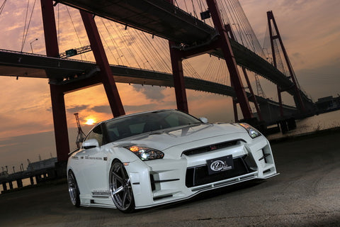 R35 GT-R NORMAL-BODY KIT VER 1 35R-GT FRP 8 SET