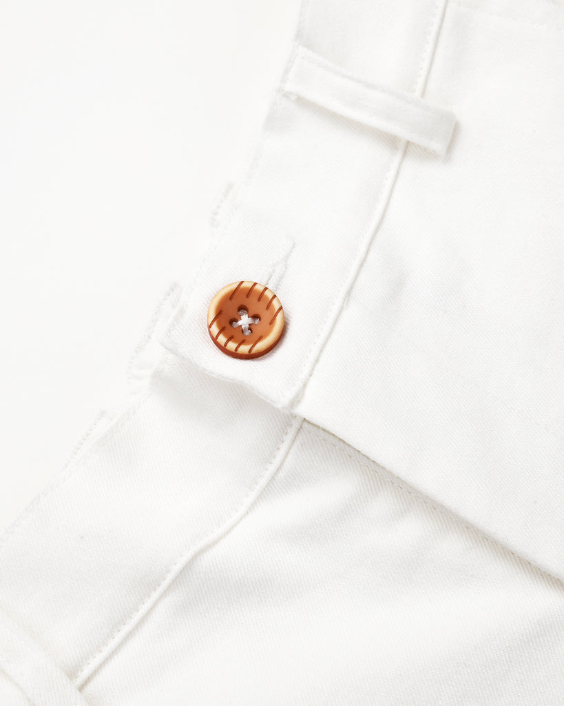 Paddington Chino In White Detail