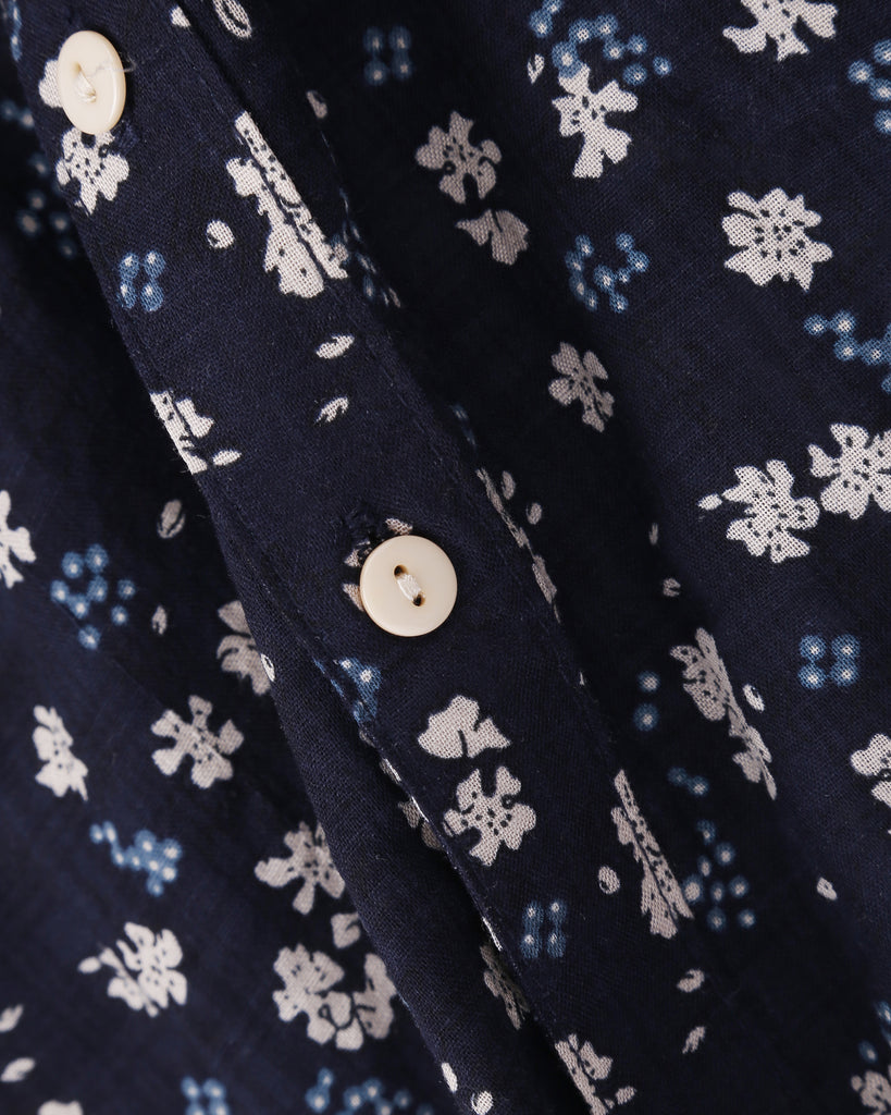 Clover Field Shirt in Navy detail