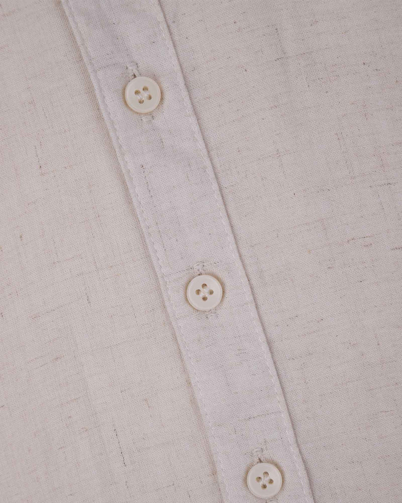 Linen Beach Shirt in Sand Detail