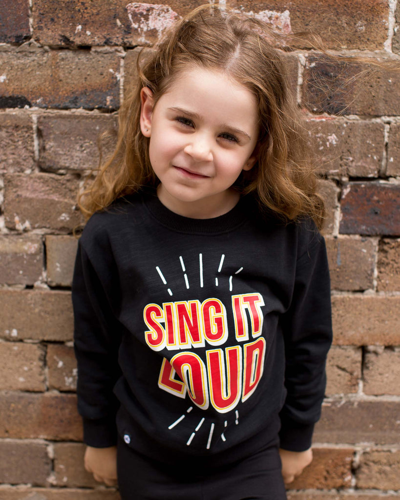 Sing It Out Loud Jumper black on model