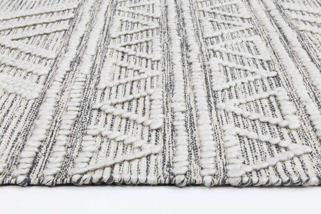 Braided Amara Transitional Abstract Rug Ivory