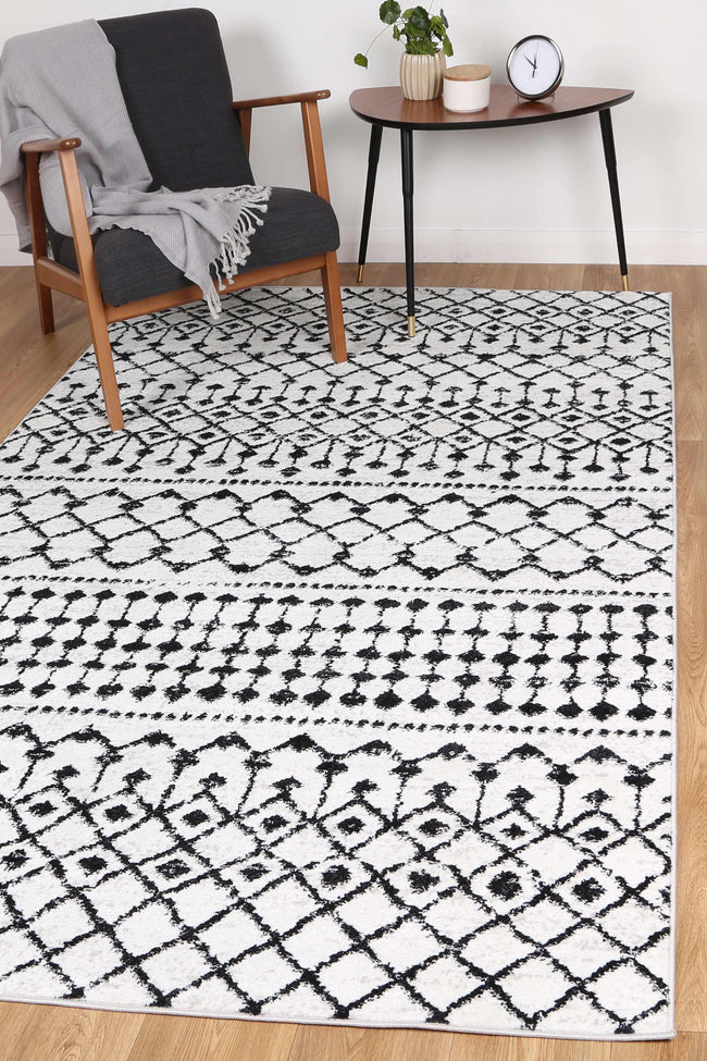 Alice Tribal Black White Rug