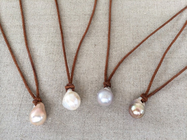 FAIT MAIN Hand Made Pearl Leather Necklace