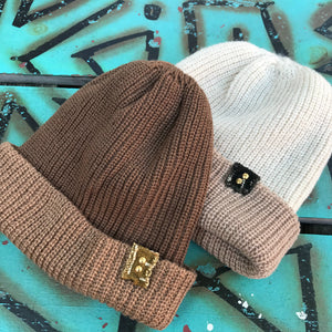 I&I Basics Reversible knit Beanie