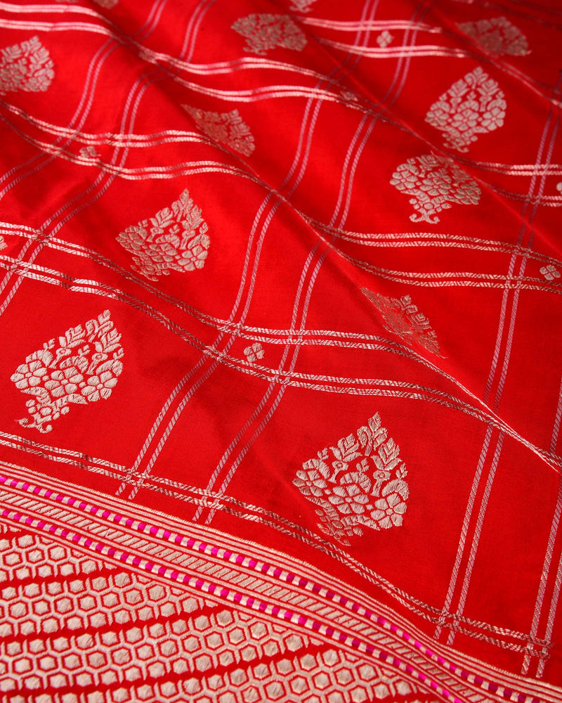 Red Banarasi Kadhuan Brocade Handwoven Katan Silk Saree with Koniya Kairi Buti - HolyWeaves