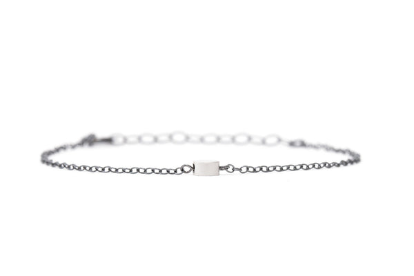 Bracelet with matte silver bead & oxidized silver chain