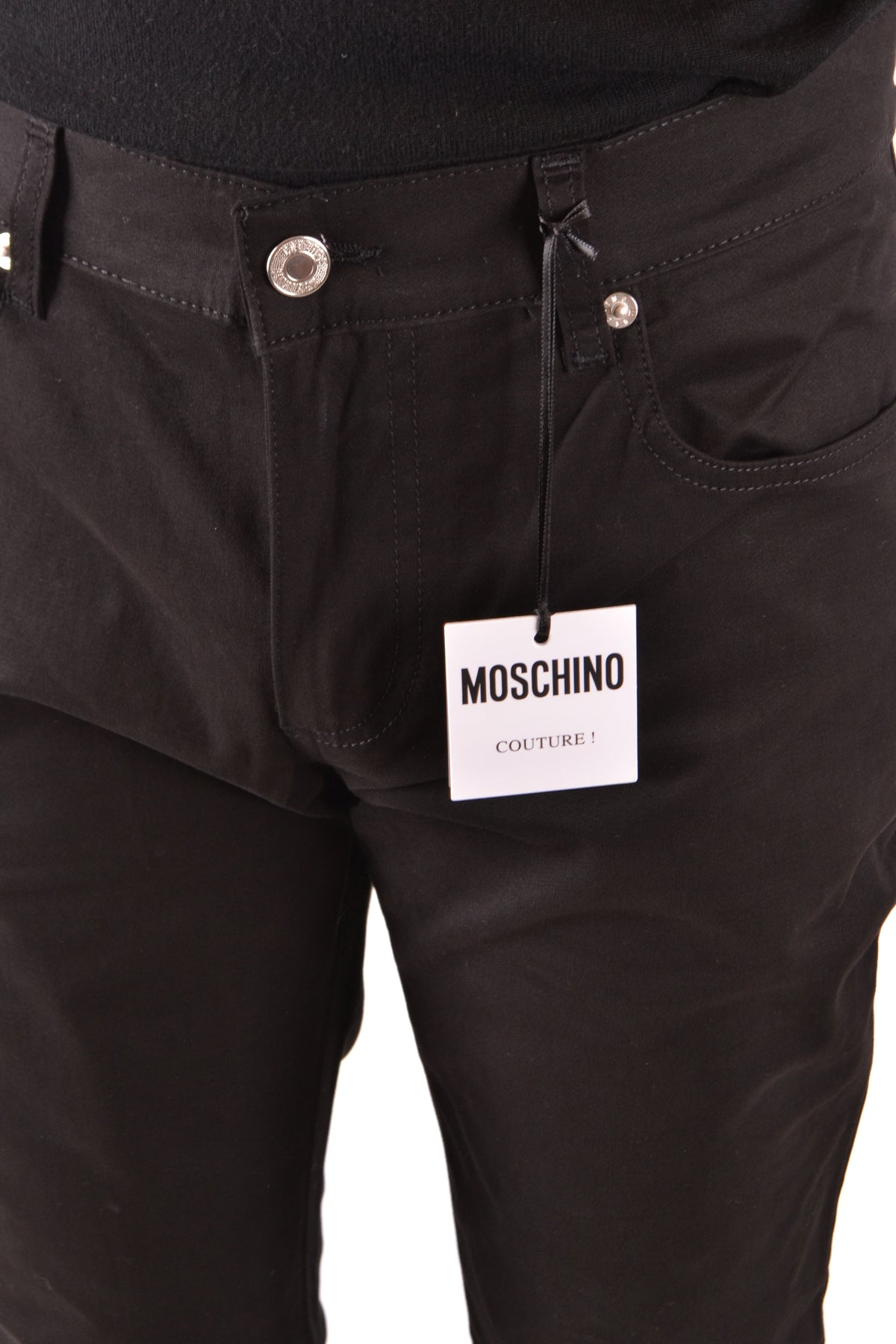 Jeans Moschino-Jeans - MAN-Product Details Season: Spring / SummerTerms: New With LabelMain Color: BlackGender: ManMade In: ItalyManufacturer Part Number: Z J0308Size: ItYear: 2018Clothing Type: JeansComposition: Cotton 99%, Elastane 1%-Keyomi-Sook