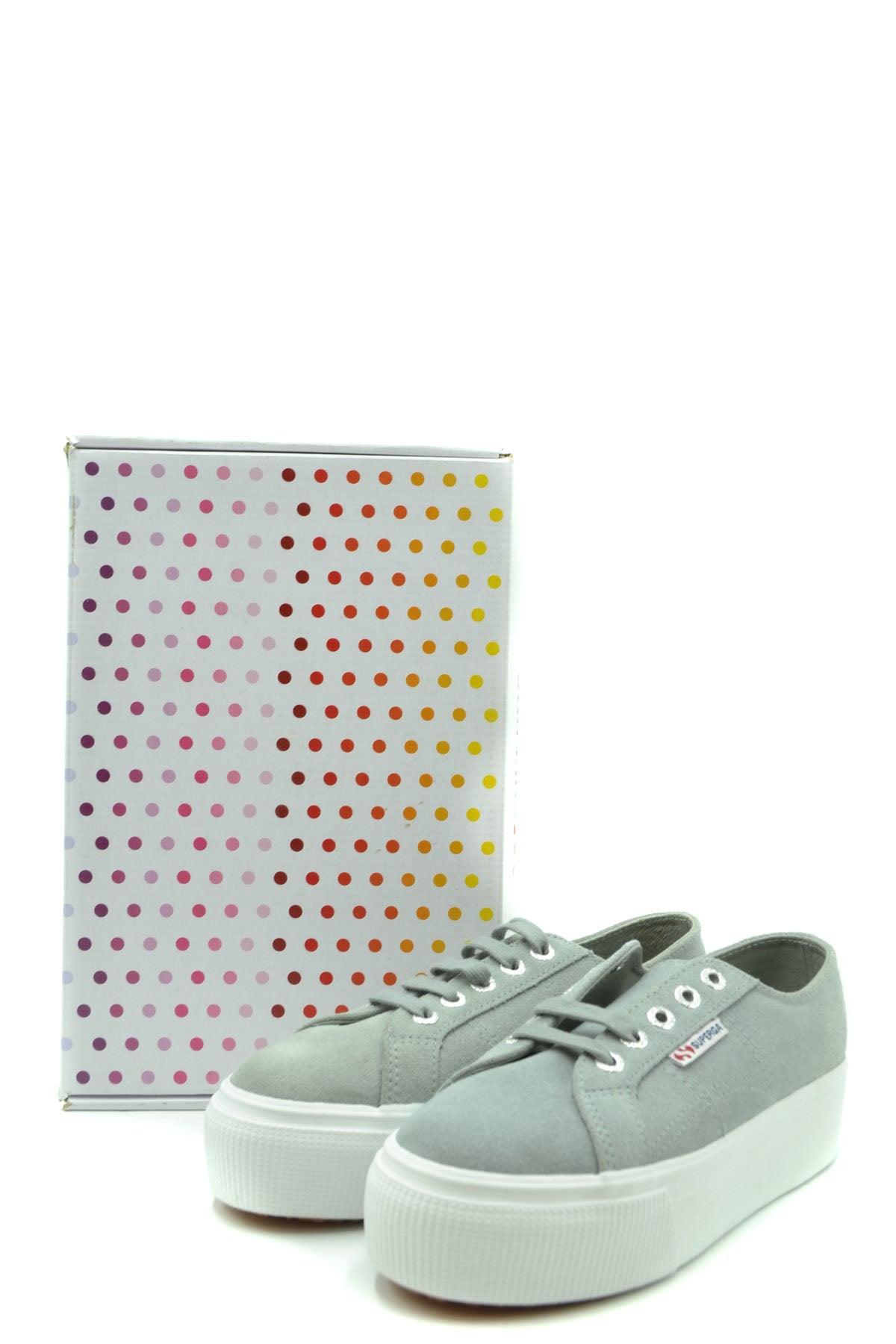 Shoes Superga-Sports & Entertainment - Sneakers-Product Details Year: 2020Composition: Chamois 100%Size: EuGender: WomanMade In: VietnamSeason: Spring / SummerType Of Accessory: ShoesMain Color: GrayTerms: New With LabelManufacturer Part Number: S003Lm0-Keyomi-Sook