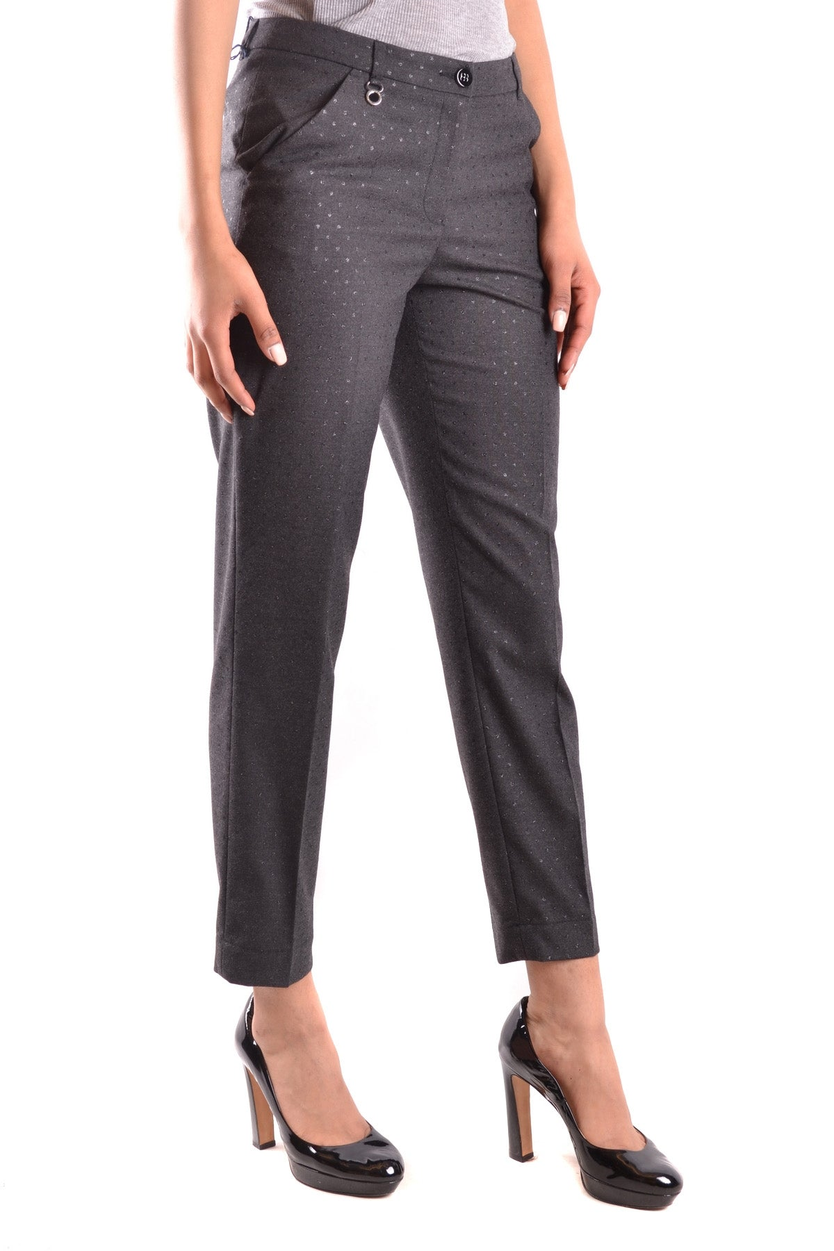 Trousers Armani Jeans-Trousers - WOMAN-Product Details Terms: New With LabelYear: 2017Main Color: GrayGender: WomanMade In: RomaniaSize: ItSeason: Fall / WinterClothing Type: TrousersComposition: Elastane 3%, Polyester 63%, Viscose 34%-Keyomi-Sook