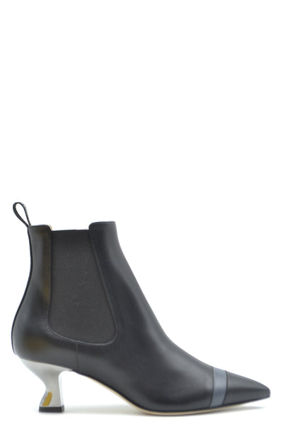 Shoes Fendi-Women's Fashion - Women's Shoes - Women's Boots-36-Product Details Terms: New With LabelMain Color: BlackType Of Accessory: BootsSeason: Fall / WinterMade In: ItalyGender: WomanHeel'S Height: 5Size: EuComposition: Leather 100%Year: 2020Manufacturer Part Number: 8T6956 A2C9 F17S3-Keyomi-Sook