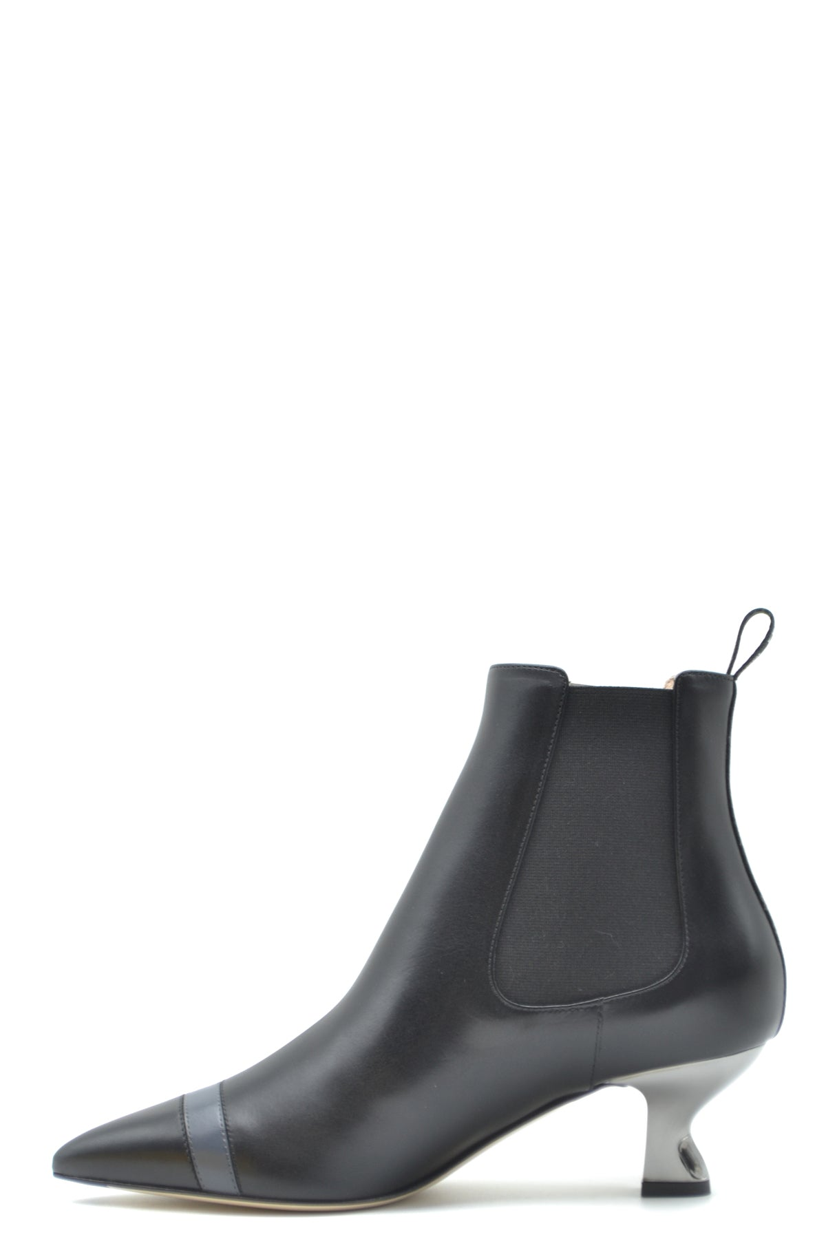 Shoes Fendi-Women's Fashion - Women's Shoes - Women's Boots-Product Details Terms: New With LabelMain Color: BlackType Of Accessory: BootsSeason: Fall / WinterMade In: ItalyGender: WomanHeel'S Height: 5Size: EuComposition: Leather 100%Year: 2020Manufacturer Part Number: 8T6956 A2C9 F17S3-Keyomi-Sook
