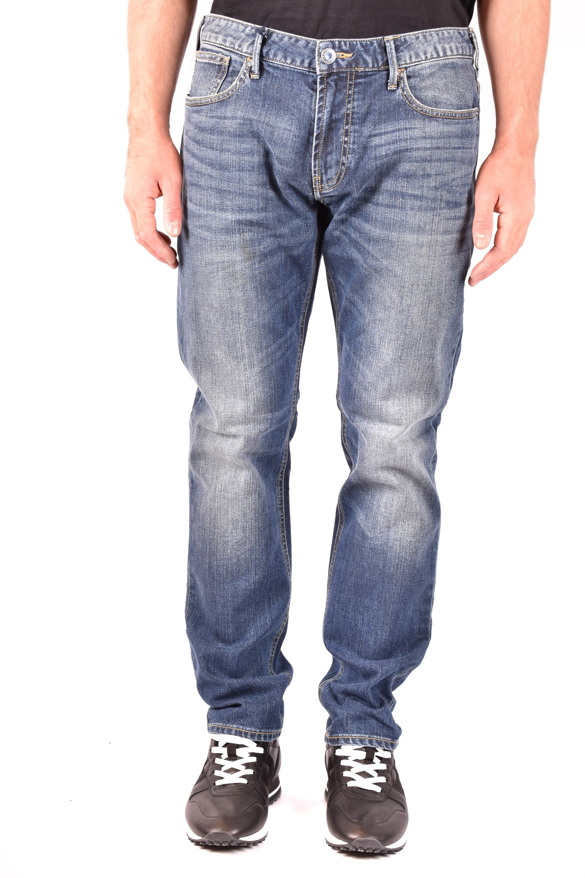 Jeans Armani Jeans-Men's Fashion - Men's Clothing - Jeans-Product Details Terms: New With LabelClothing Type: JeansMain Color: BlueSeason: Fall / WinterMade In: ChinaGender: ManSize: UsComposition: Cotton 99%, Elastane 1%Year: 2019Manufacturer Part Number: Z6J83 1C 15-Keyomi-Sook