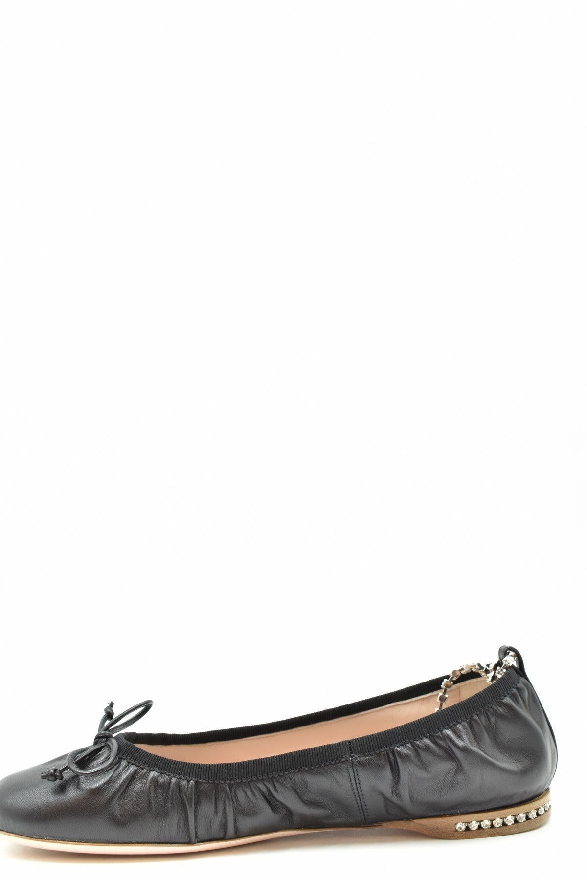 Shoes Miu Miu-Women's Fashion - Women's Shoes - Women's Flats-Product Details Manufacturer Part Number: 5F919C 0386Year: 2020Composition: Leather 100%Size: EuGender: WomanMade In: ItalySeason: Spring / SummerType Of Accessory: ShoesMain Color: BlackTerms: New With Label-Keyomi-Sook