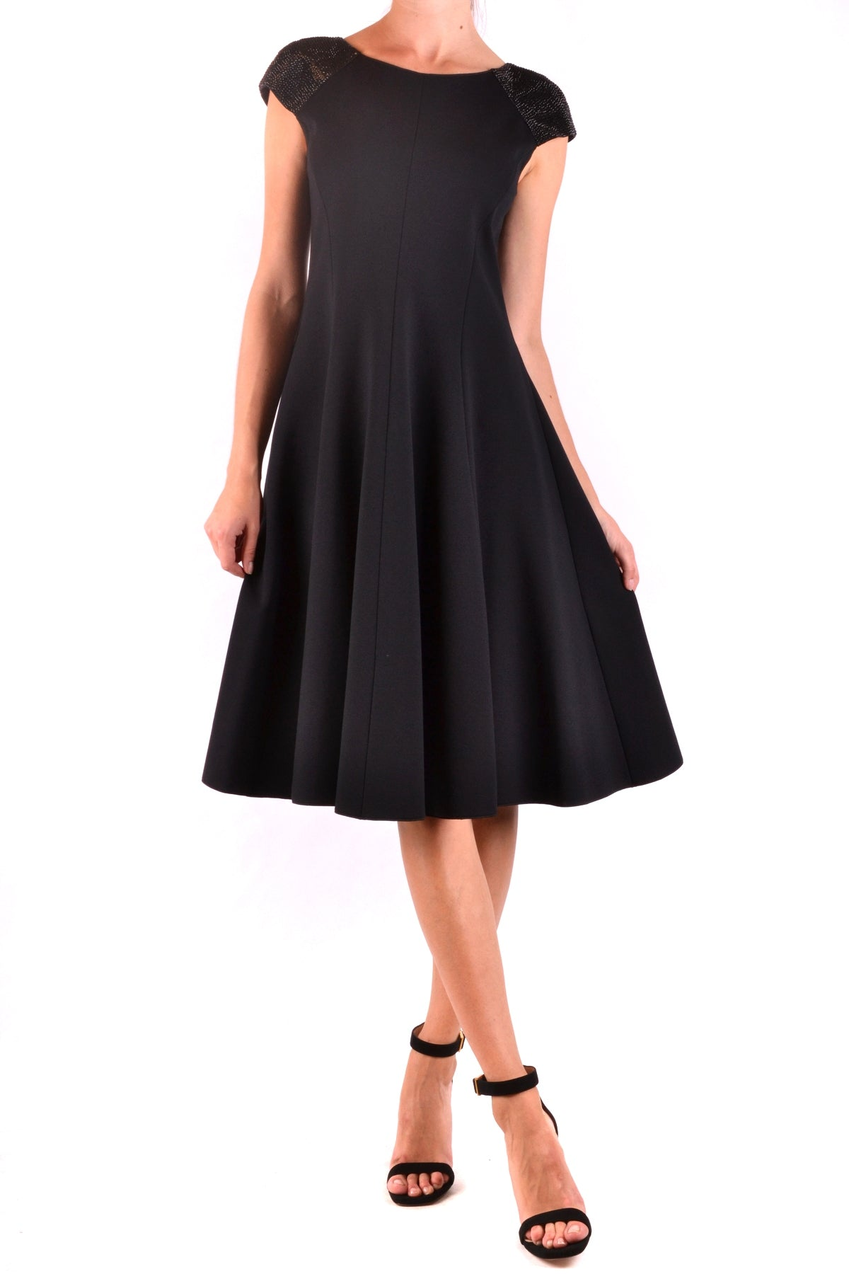 Dress Armani Collezioni-Dress - WOMAN-40-Product Details Season: Fall / WinterTerms: New With LabelMain Color: BlackGender: WomanMade In: ItalyManufacturer Part Number: 6Yma54 MjfazSize: ItYear: 2018Clothing Type: TaglieurComposition: Elastane 6%, Polyamide 17%, Viscose 77%-Keyomi-Sook