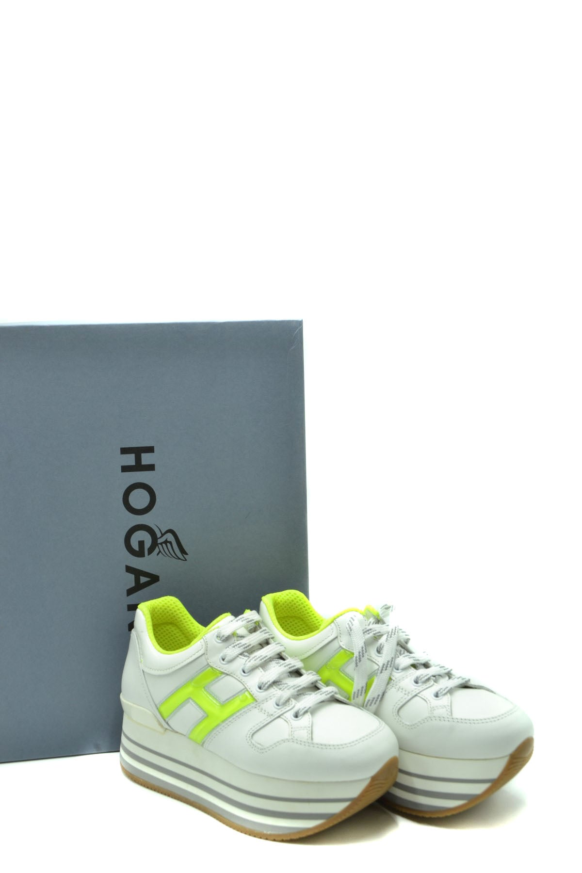 Shoes Hogan-Sports & Entertainment - Sneakers-Product Details Terms: New With LabelMain Color: WhiteType Of Accessory: ShoesSeason: Spring / SummerMade In: ItalyGender: WomanSize: EuComposition: Leather 100%Year: 2020Manufacturer Part Number: Hxw2830Bg50I6S9999-Keyomi-Sook