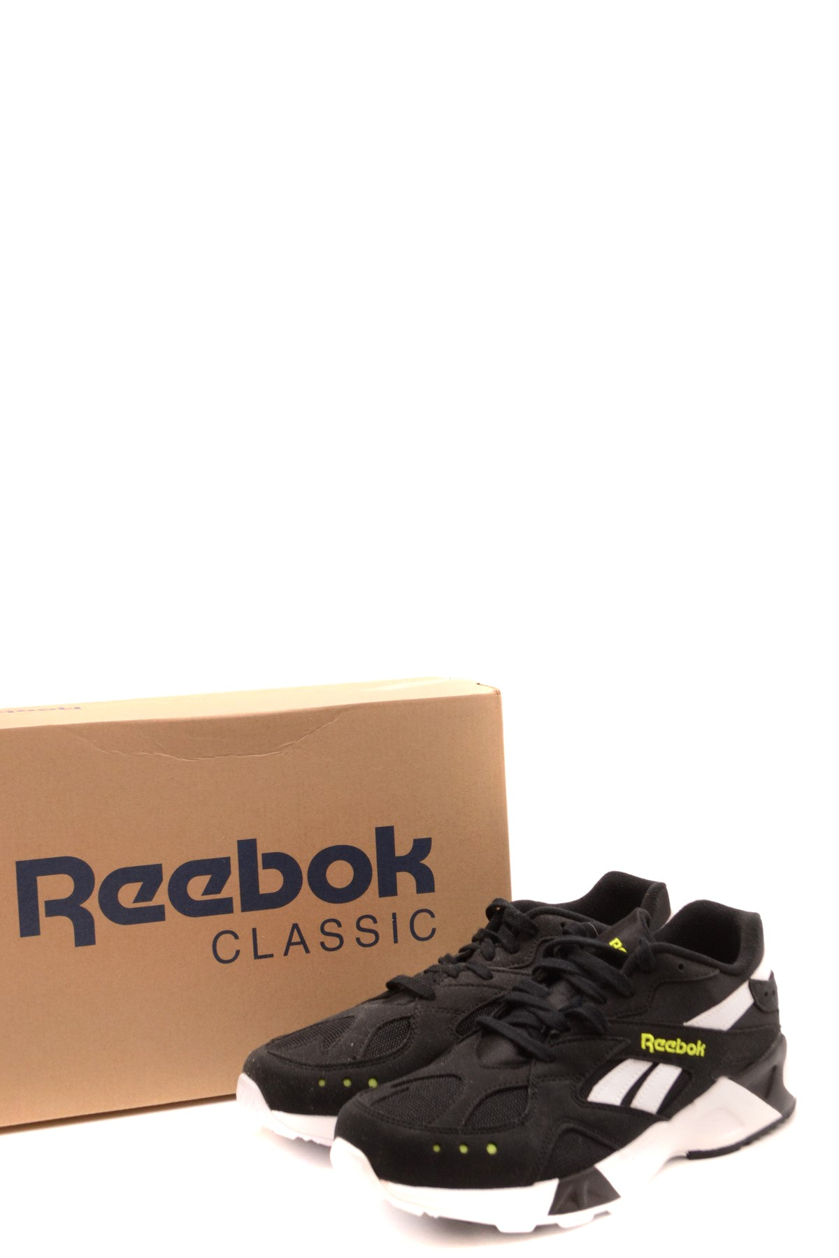 Shoes Reebok-Sports & Entertainment - Sneakers-Product Details Terms: New With LabelMain Color: BlackType Of Accessory: ShoesSeason: Fall / WinterMade In: ChinaGender: ManSize: EuComposition: Chamois 50%, Nylon 50%Year: 2019Manufacturer Part Number: Cn7188-Keyomi-Sook