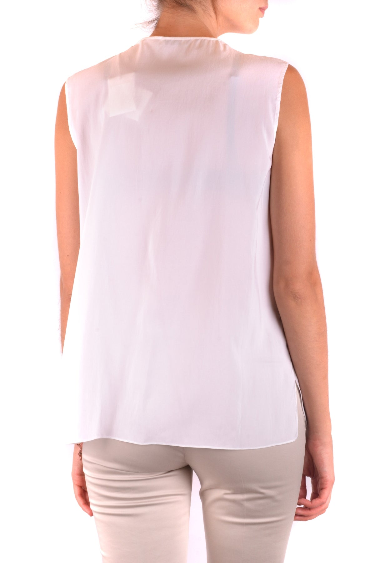 Tanktop Brunello Cucinelli-Top - WOMAN-Product Details Season: Spring / SummerTerms: New With LabelMain Color: WhiteGender: WomanMade In: ItalyManufacturer Part Number: Mh910F4101 C159Size: IntYear: 2018Clothing Type: TopComposition: Silk 100%-Keyomi-Sook