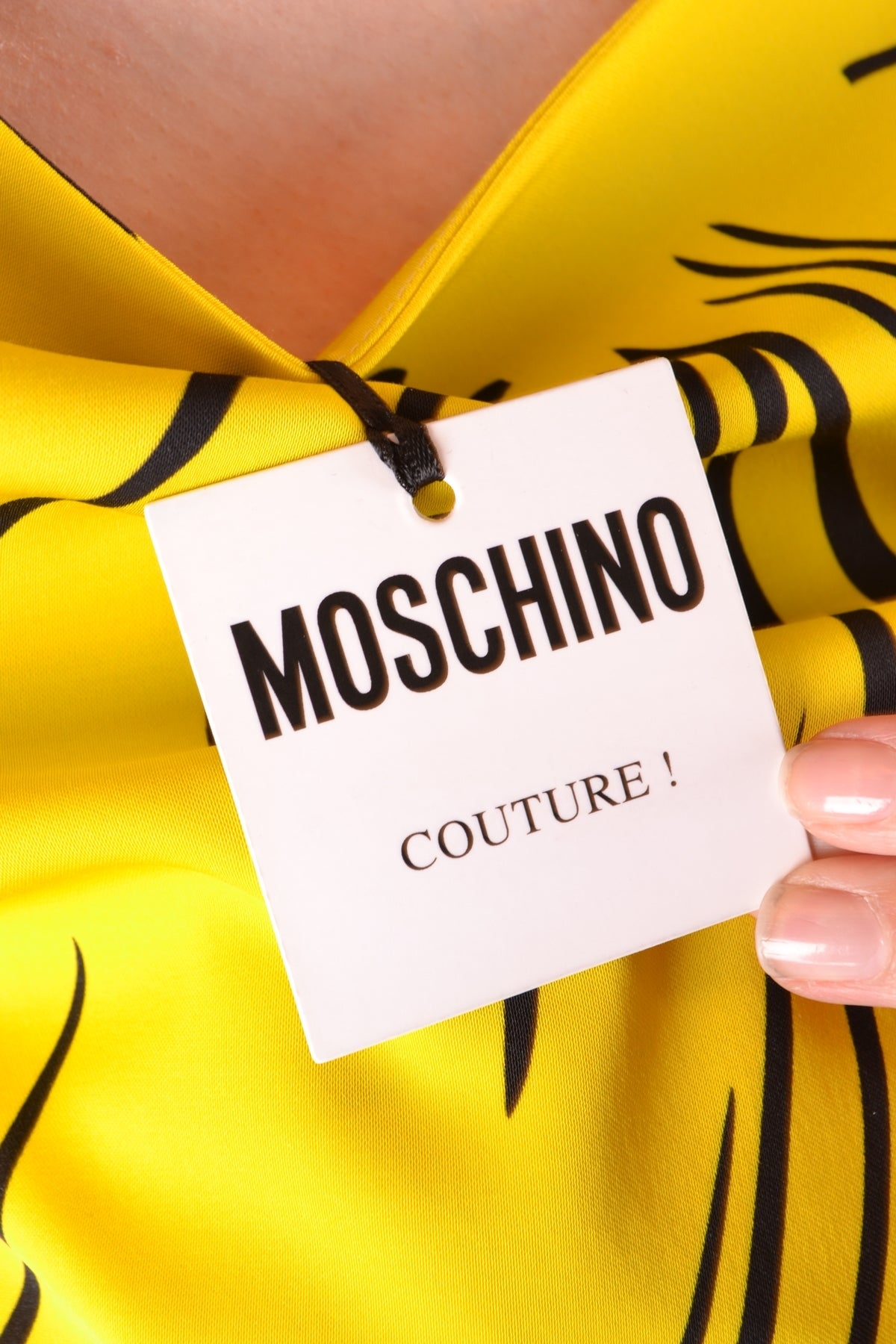 Dress Moschino-Dress - WOMAN-Product Details Terms: New With LabelYear: 2018Main Color: MulticolorGender: WomanMade In: ItalyManufacturer Part Number: D A0420Size: ItSeason: Fall / WinterClothing Type: TaglieurComposition: Wool 19%, Viscose 79%-Keyomi-Sook