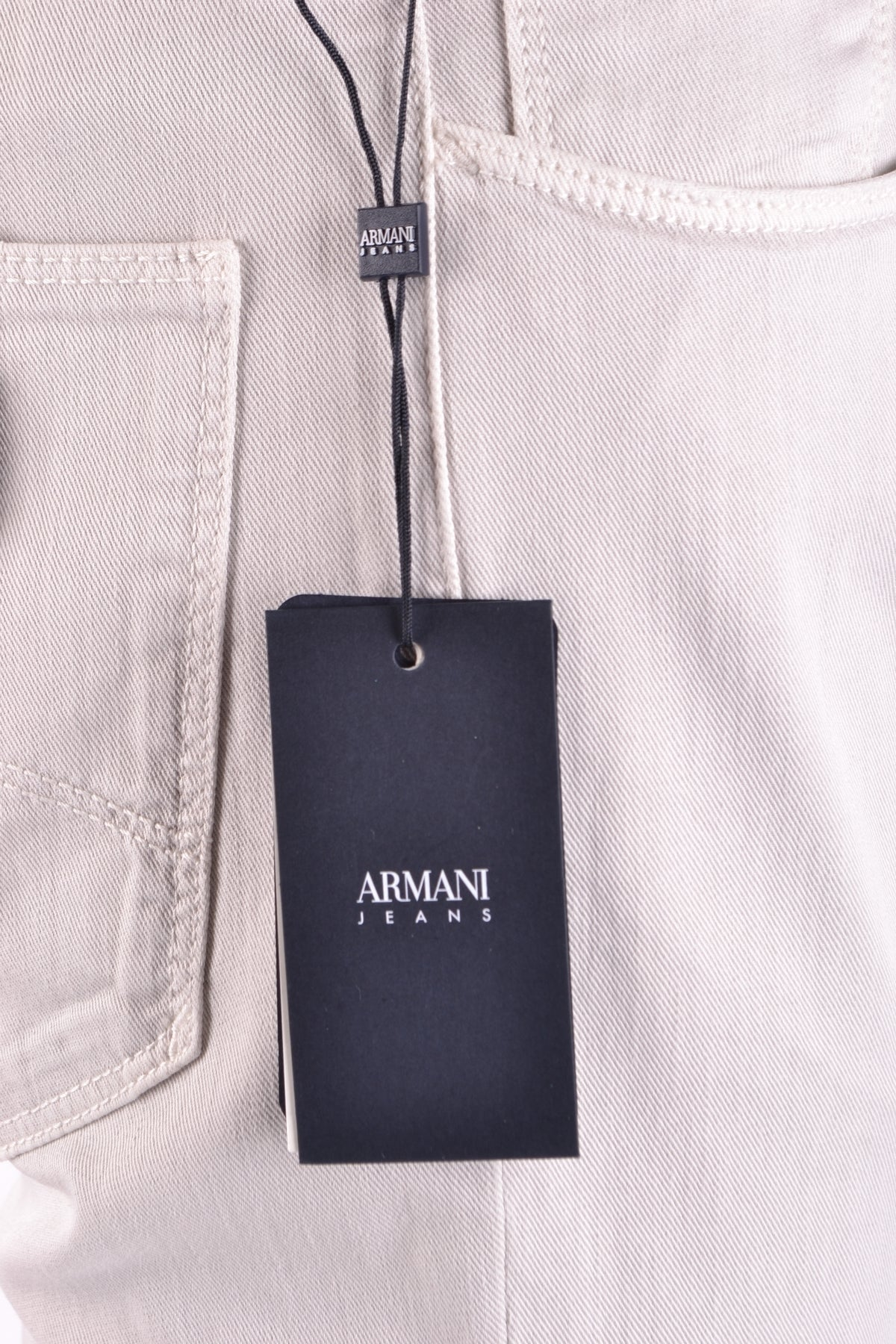 Armani Collezioni Mens Jeans Gray-Jeans - MAN-Product Details Terms: New With LabelYear: 2017Main Color: GraySeason: Spring / SummerMade In: MoroccoSize: UsGender: ManClothing Type: JeansComposition: Cotton 98%, Elastane 2%-Keyomi-Sook