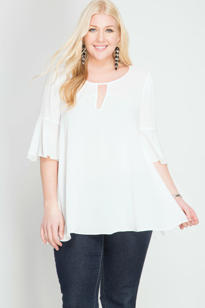 3/4 Flare sleeve top with neck keyhole
