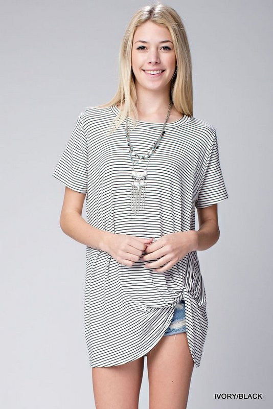 Striped twisted side top  - Bella Vita Chic Boutique