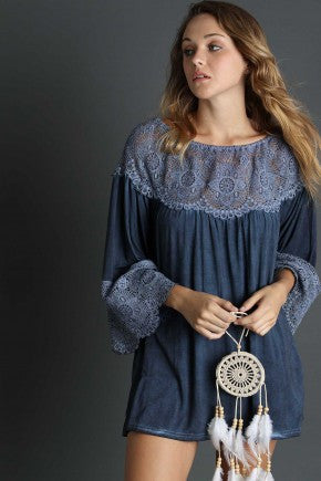 2 Way tunic with lace on the bell sleeve and neckline