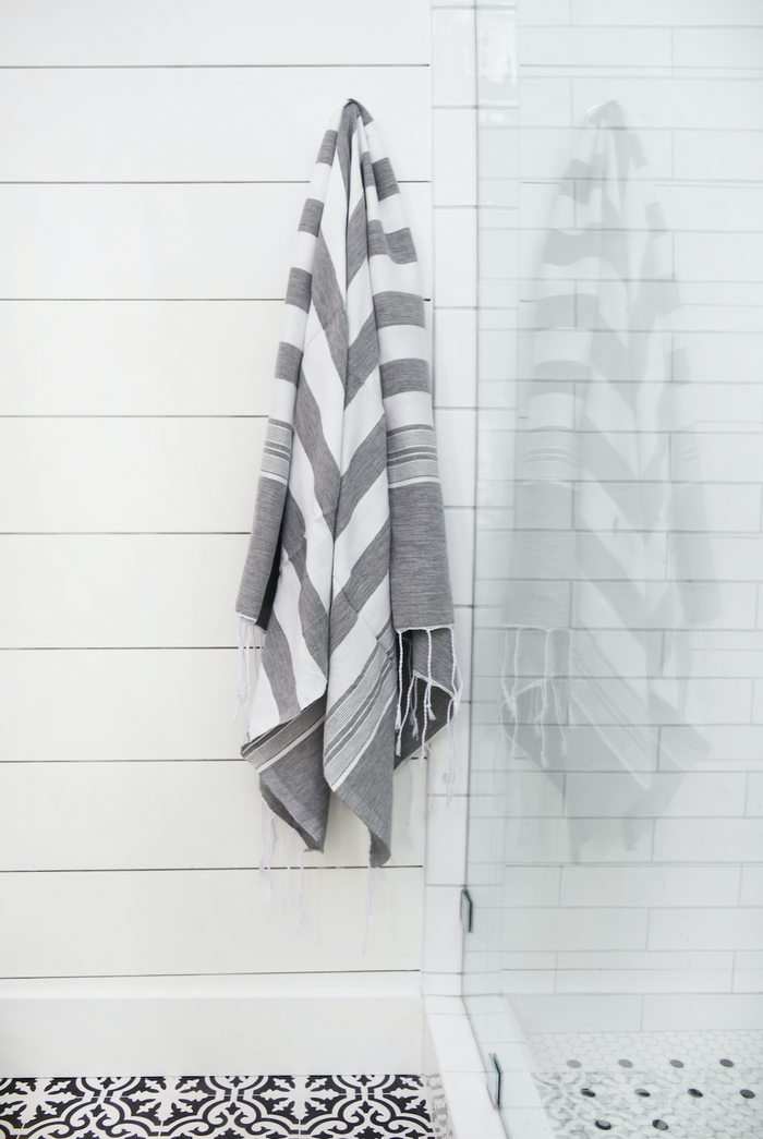 Hammam Towel - Grey + White Thick Stripe - SaffronAndPoe.com