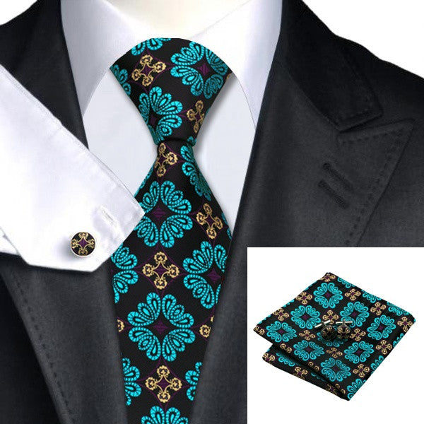 Tom Nelson Necktie With Handkerchief