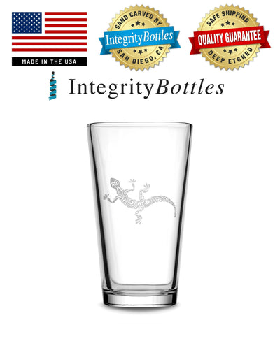 Pint Glass with Gecko Design, Deep Etched by Integrity Bottles