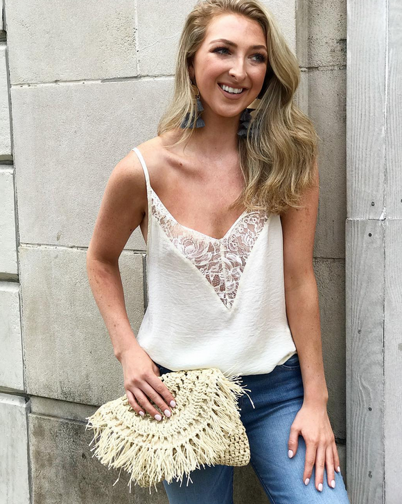 FALLING LACE TOP