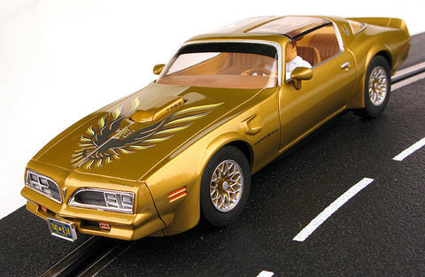 Carrera 27463 Pontiac Firebird Trans Am gold.