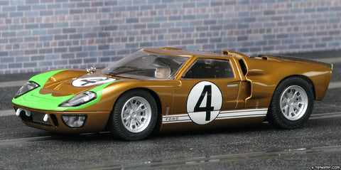 Scalextric C3026 1:32 Scale Ford GT40 High Detail Classic Collection Car