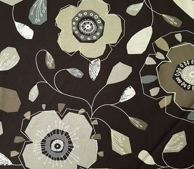 Brown/Neutral: Urbancity Flower 4152
