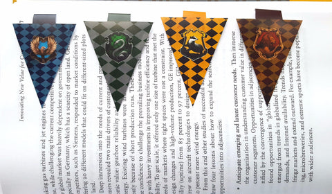 *NEW* Set of 4 Hogwarts Houses magnetic bookmarks