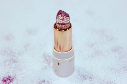 Oh Flossy Natural Sparkle Lipstick