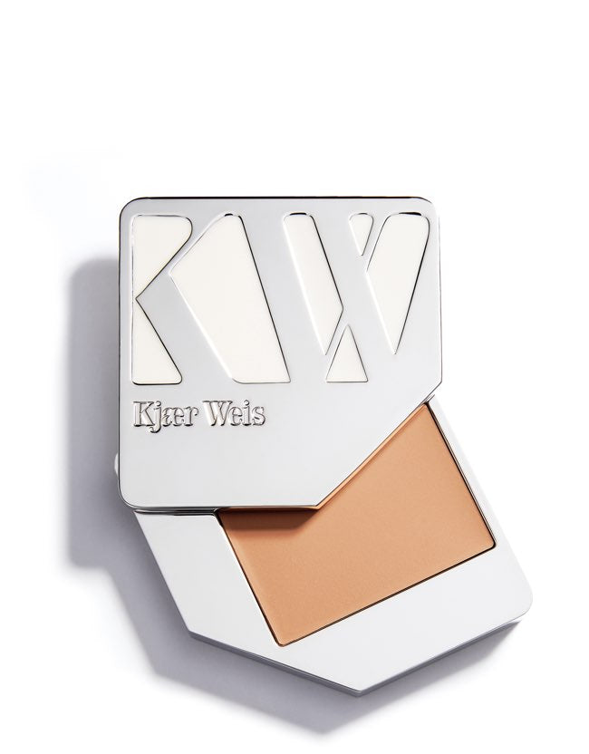 Kjaer Weis - Cream Foundation Feathery - Naturkosmetik