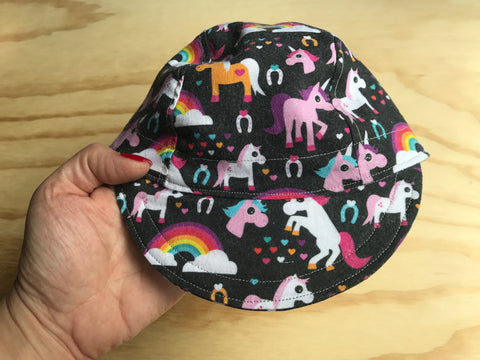 (Baby) Rainbows & Unicorns Cap
