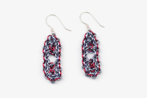 Deco Collection: Micromaille Earrings - Dark Grey and Red