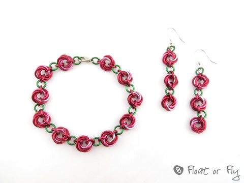 Mobius Chain Maille Bracelet and Earring Set - Red Roses