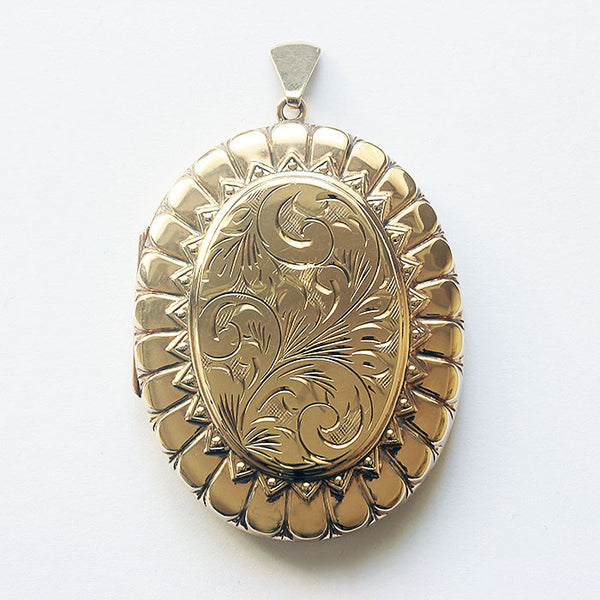 large floral yellow gold secondhand locket