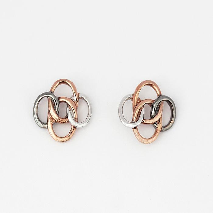 4 rings interlinked studs all in sterling silver with post and butterfly fittings