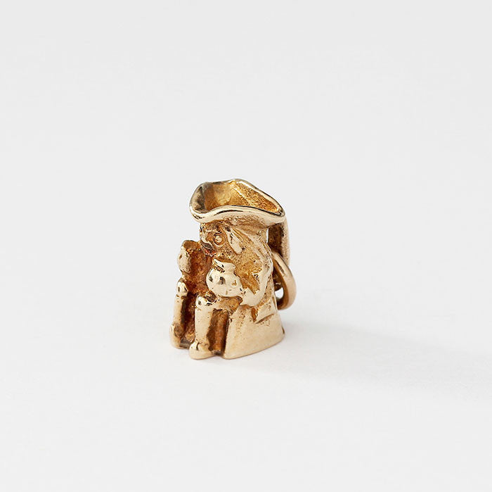 small toby jug charm in 9ct yellow gold