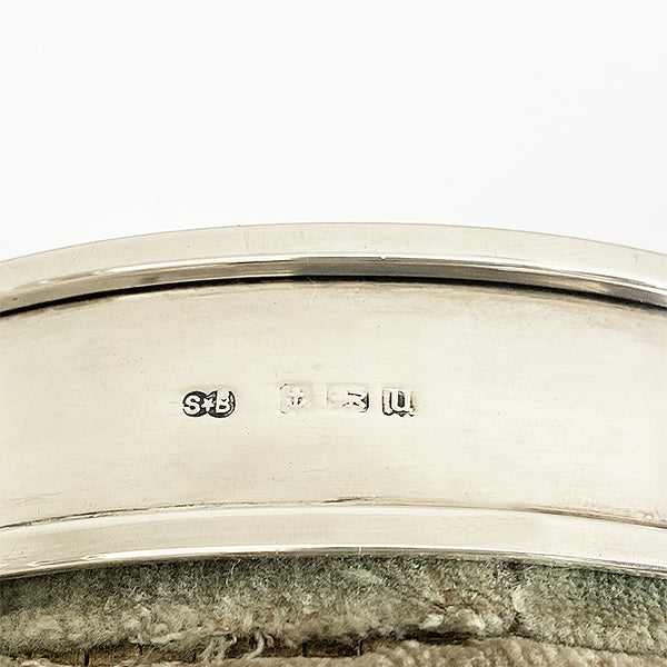 a hallmarked birmingham 1902 silver and green velvet dressing table oval box