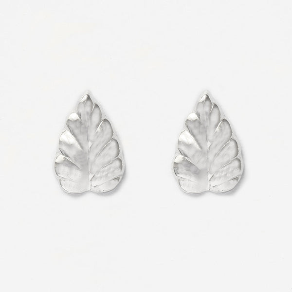 leaf design white gold stud earrings with butterfly fittings