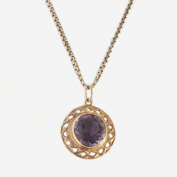 amethyst single stone pendant necklace in yellow gold