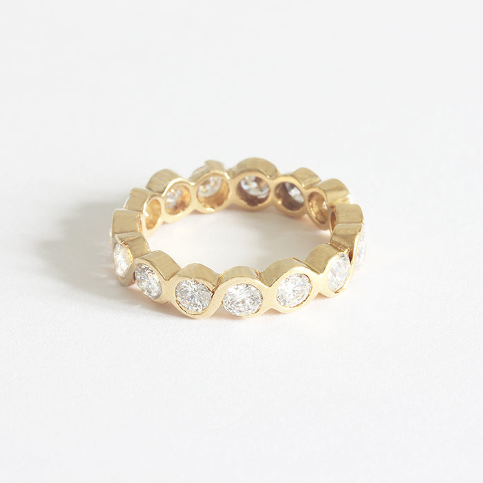 a secondhand yellow gold diamond full eternity ring chunky rub over set