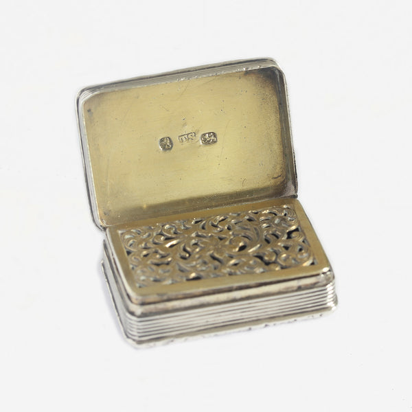 a gilt and silver vinaigrette hallmarked 1830